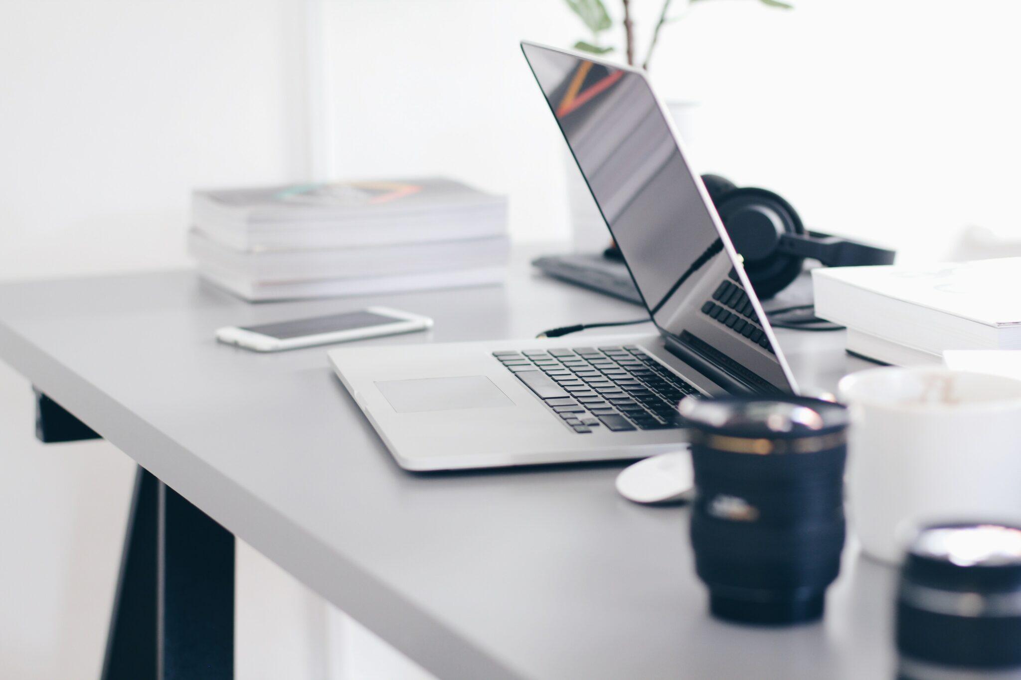 wyposażenie domowego biura