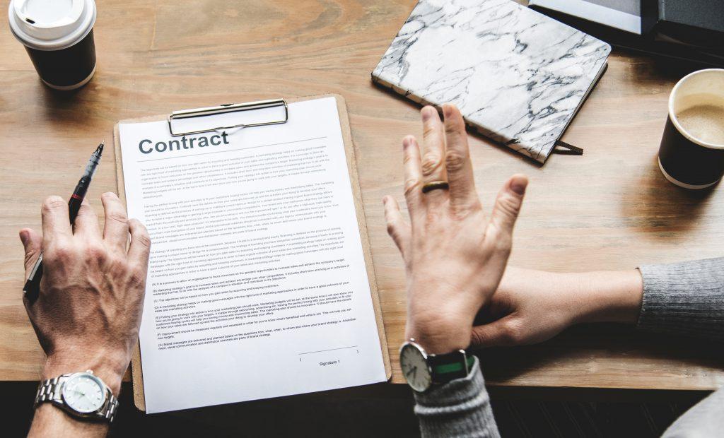 umowa i praca z wirtualną asystentką