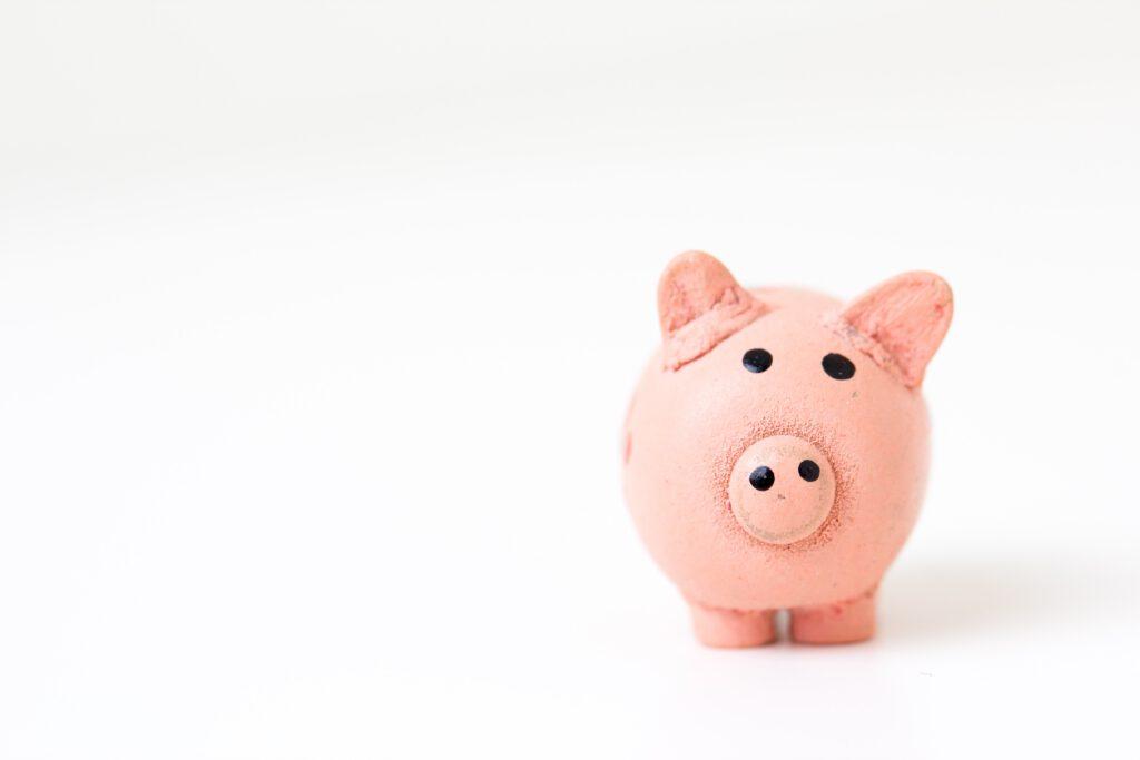 odkładanie pieniędzy oszczędzanie